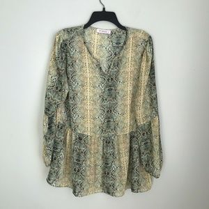 Izzy & Lola McQueeny Yellow Green Snake Print Top